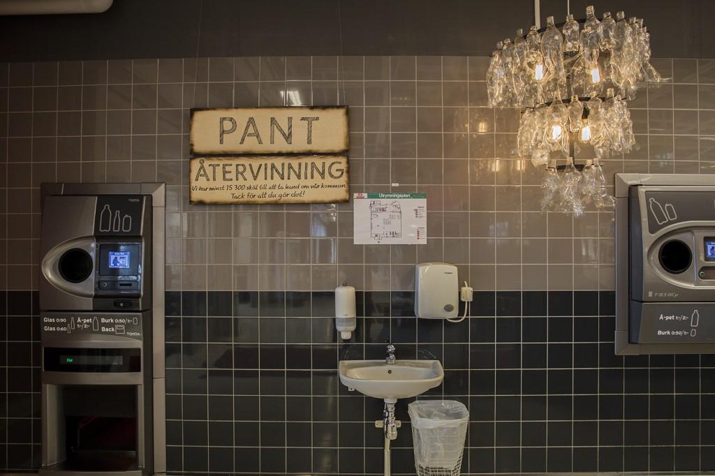 rena svart hand jobb nära Malmö